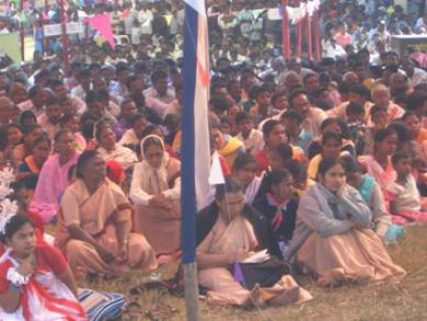 The Ursuline sisters of the Carmel Convent in Chakradharpur among the crowd
