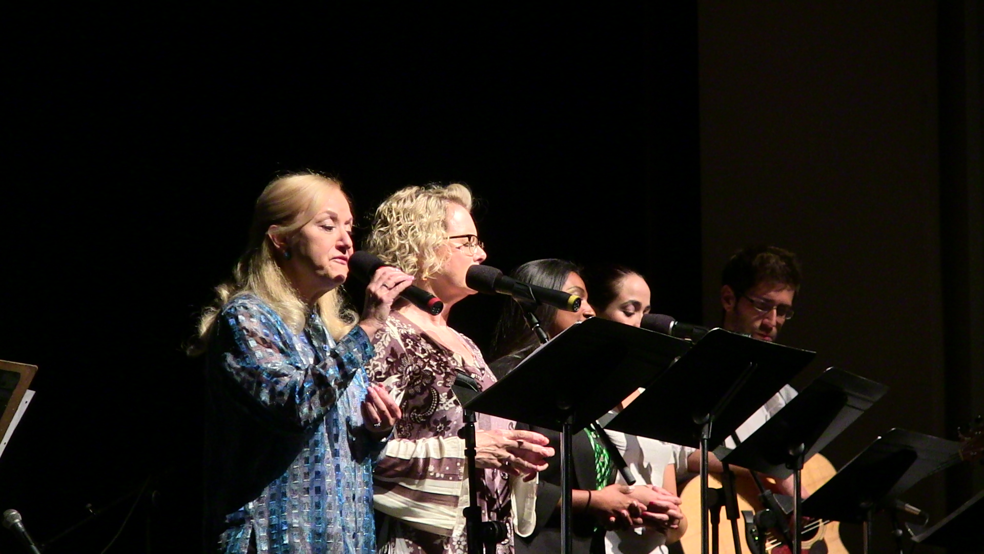 Vow Taize singers