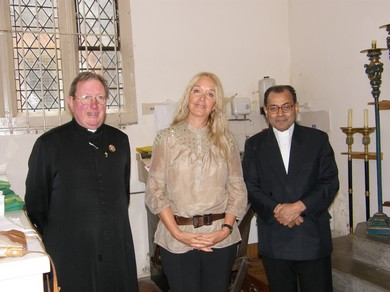 Vassula, with the Canon Beaumont Brandie, James's parish priest and Archbishop of New Delhi, Vincent Concenssao